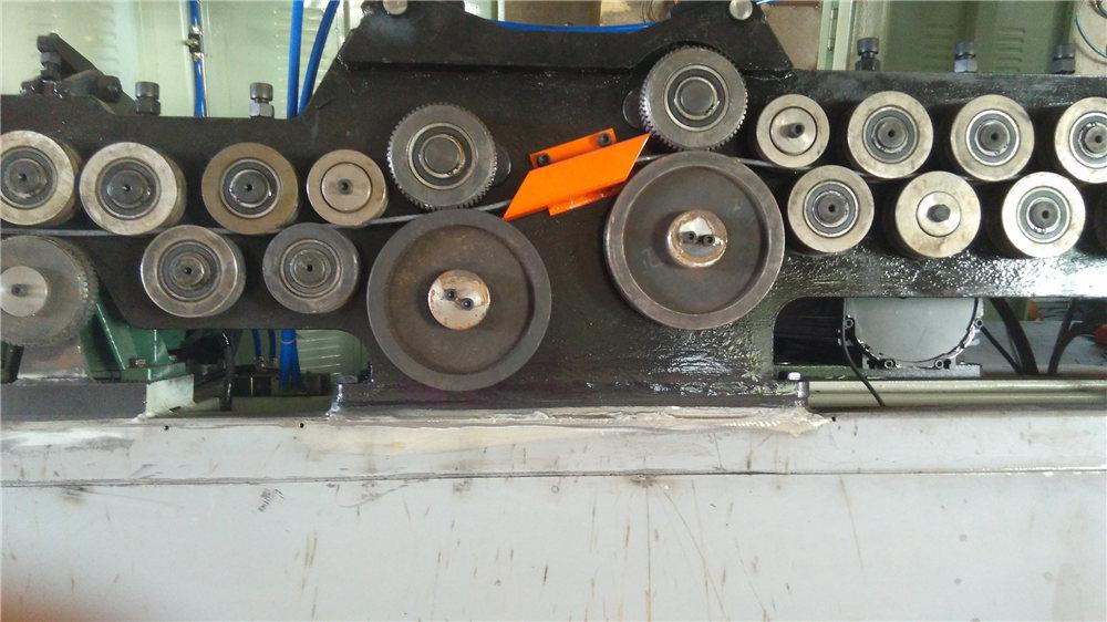 Màquina automàtica de plegat de stirrup